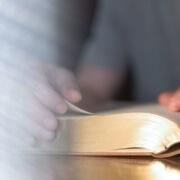 Bibel lesen, verstehen und neue Zuversicht gewinnen