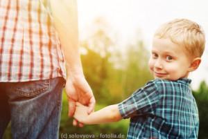 Der Vater als Vorbild: beim Begleiten und beim Gefühle zeigen